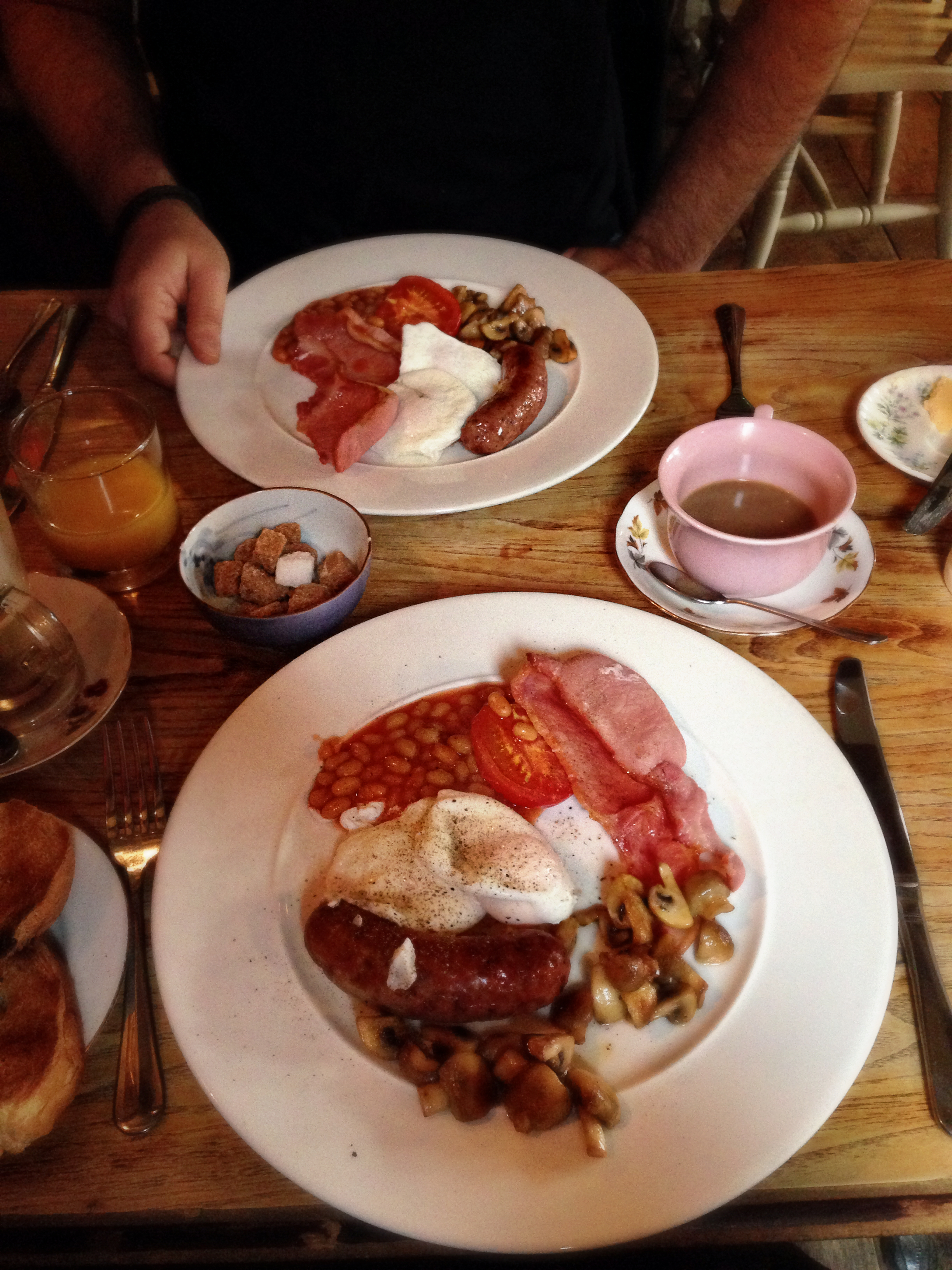 THE BELL TICEHURST | BREAKFAST | WE LOVE FOOD, IT'S ALL WE EAT