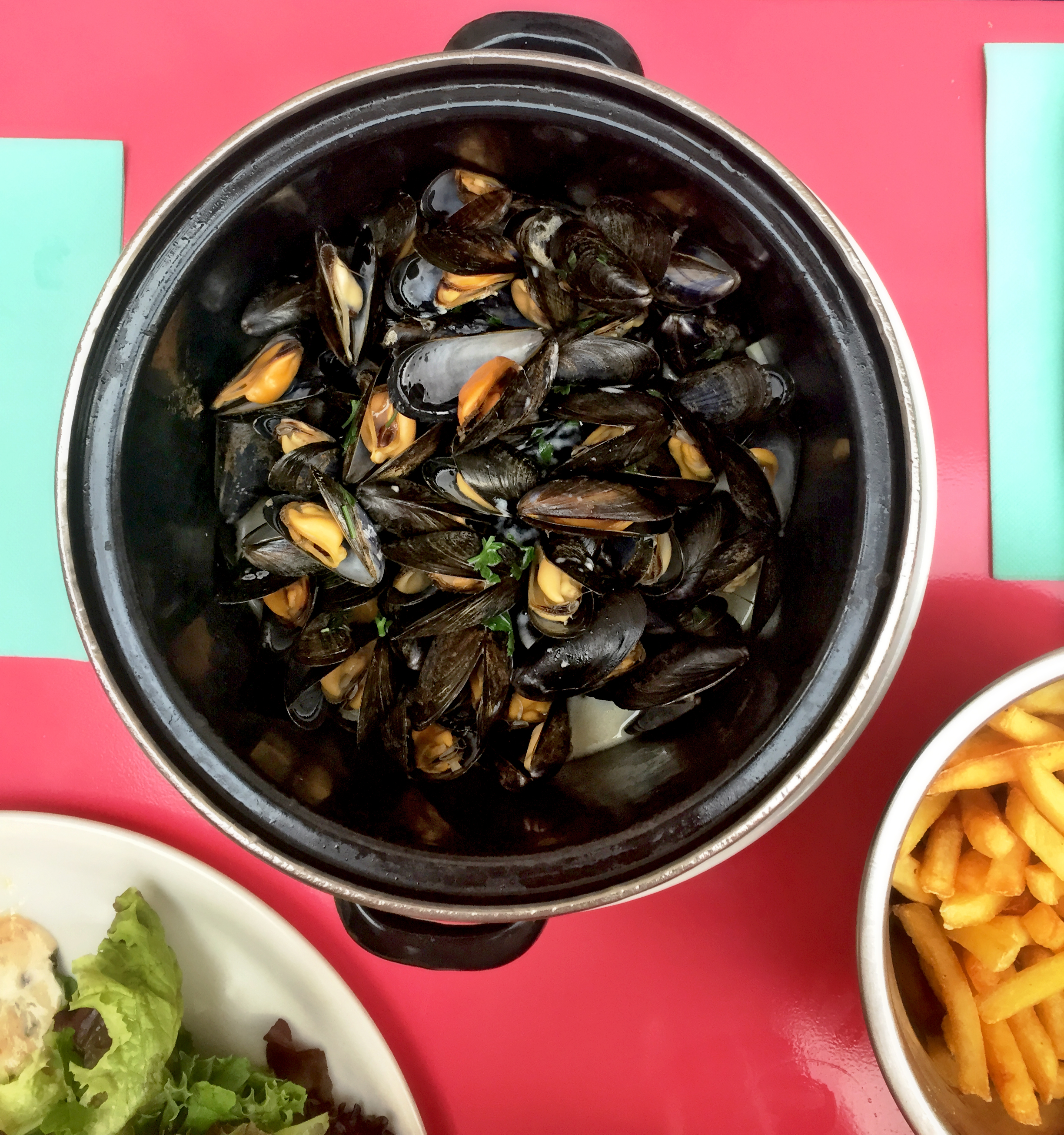 VILLEFRANCHE-SUR-MER | FRENCH RIVIERA | LE LOCO LOCO | MUSSELS | WE LOVE FOOD, IT'S ALL WE EAT